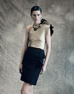 http://www.artandcommerce.com/artists/photographers/Paolo-Roversi/Editorial