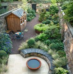 Small Tropical Gardens, Tropical Garden Design, Back Garden Design, Small Gardens, Small Garden Patios, Small Narrow Garden Ideas, Small Urban Garden Design, Urban Design, Tropical Plants