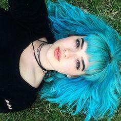 Color fantasía azul