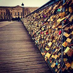 Love Lock Bridge, Pont de l'Archeveche Bridge