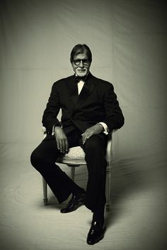 The King Amitabh Bachchan Bollywood Stars, Indian Actresses, Actors & Actresses, Bachchan Family, Shashi Kapoor, Dance Numbers, Global Icon, Star Wars, Amitabh Bachchan