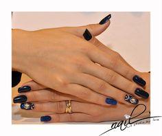 nails nail art chrome metallic blue glitter swarovky  trend 2015 manicure