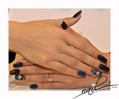 nails nail art chrome metallic blue glitter swarovky  trend 2015 manicure
