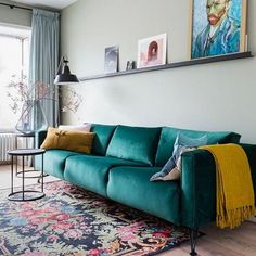 With sage taking the stage as the perfect neutral of the season, we can't help but love this color combo! That dreamy, emerald sofa with… Living Room Grey, Small Living Rooms, Living Room Sofa, Home And Living, Living Room Designs, Living Room Decor Curtains, Interior Design, Sage, Home Decor