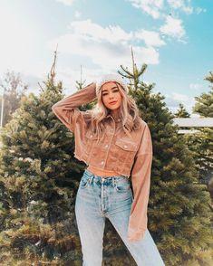 Just winter things🌲💕 Sierra Furtado Outfits, Sierra Furtado Instagram, Boho Fashion, Winter Fashion, Fashion Show Invitation, Fashion Show Themes, Winter Outfits, Summer Outfits, Mom Jeans Outfit