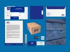 Criação de Identidade Visual para a empresa de JVC que atua na indústria de cerâmica produzindo blocos e lajes. Foram desenvolvidos o logotipo, cartão de visita, papel timbrado, envelope ofício, uniforme, capa para Facebook e adesivo para carro.