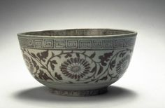 Bowl with flower scrolls, Ming dynasty (1368-1644), Reign of the Hongwu emperor (1368-1398)