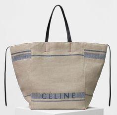 Summer bag by Celine Diy Tote Bag, Reusable Tote Bags, Gucci Logo, Best Beach Bag, Sac Week End, Sacs Design, Bags 2017, Linen Bag, Summer Bags