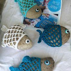 Mrshooked: A boulder from a fish - Mara Seashell Crafts, Beach Crafts, Summer Crafts, Crochet Gifts, Knit Crochet, Crochet Applique Patterns Free, Papier Diy, Kawaii Crochet, Creation Couture