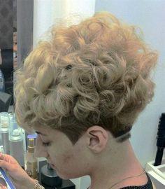 New Haircut Pixie Wavy Ideas Short Permed Hair, Haircuts Straight Hair, Short Curls, Short Thin Hair, Long Hair With Bangs, Short Hair Cuts, Curly Short, Wedge Hairstyles, Permed Hairstyles