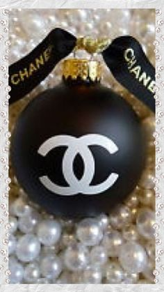 ~ How Lovely ~ How CHANEL.~    It will be Christmas before we know it , All the Best for the Festive Season.