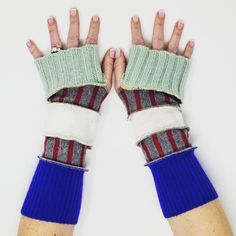 diy upcycled sweater fingerless glove pattern -pinterest - Google Search Pullover Upcycling, Upcycled Sweater, Fingerless Gloves, Arm Warmers, Google Search, Pattern, Sweaters, Diy, Ideas