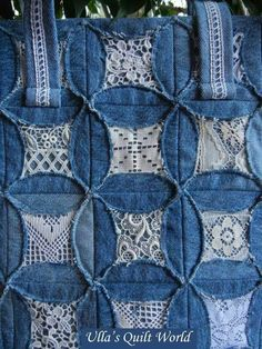 "Ulla's Quilt World: Quilted pouch and bag + Cathedral window quilt bag; using the ""fake"" cathedral windows method. Like the denim and lace look. Artisanats Denim, Denim And Lace, Denim Purse, Cathedral Window Quilts, Cathedral Windows, Fabric Crafts, Sewing Crafts, Sewing Projects, Sewing Tutorials"