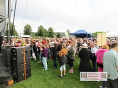 Mallorca Party Pfullendorf Jürgen Drews fällt der Vorgruppe Papi`s Pumples musikalisch zum Opfer. BauFachForum Baulexikon Seepark Pfullendorf.