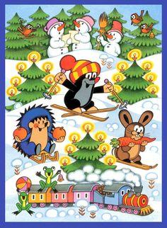 (2015-02) Muldvarpen står på ski mellem tændte juletræer med pindsvinet og haren, snemændene ser på