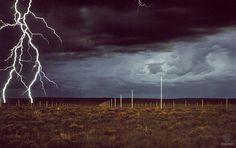 Walter de Maria lightning_field.jpg (1600×1009)