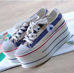 platform converse Platform Converse, Bb, Sneakers, Shoes, Fashion, Fashion Styles, Boots, Tennis, Moda