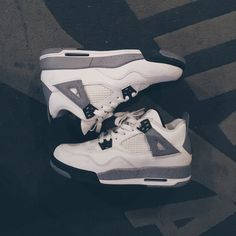 NIKE AIR JORDAN IV 4 RETRO 2011 CEMENT 5Y GS 2011 release Jordan cement IV. Authenticity guaranteed. Worn lightly twice. More pictures can be provided via email. These are size 5 youth, converts to a 6.5 women. Please feel free to send offers. Nike Shoes Athletic Shoes
