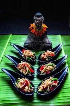 Green papaya salad spoons