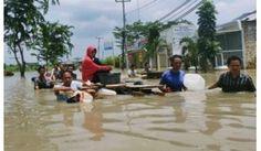 Cimanuk Tak Terbendung, Banjir Indramayu Tenggelamkan Lima Kecamatan