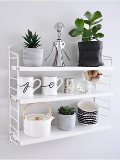 10 reasons why you should buy a string shelf Coffee Bars In Kitchen, Cozy Kitchen, Green Kitchen, Kitchen Decor, Office Interior Design, Office Interiors, Interior Design Inspiration, Wall Shelves, Shelving