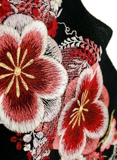 traditional kimono embroidery