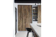 Home Knokke Béton ciré floor and kitchen tablet by Kameleon Interiors by Nathalie Deboel