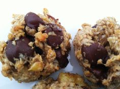 Healthy Banana Oat Cookies with Coconut and Dark Chocolate | mylittletable