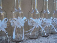 just fill up with greenery Jar Crafts, Bottle Crafts, Diy And Crafts, Bottles And Jars, Glass Jars, Outdoor Wedding Decorations, Pearl And Lace, Altered Bottles, Decorated Jars