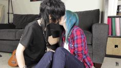 Johnnie Guilbert and Alex Dorame making out <3