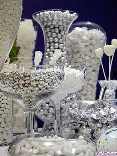O Candy Bar é uma ideia para complementar o seu casamento, ele já é visto há algum tempo em festas no exterior, inclusive em casamentos, e agora essa tendência está chegando ao país. Para quem não sabe o que é, o Candy Bar é uma espécie de esta...