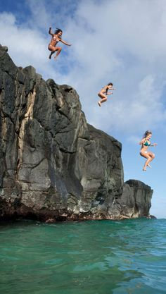 On your marks, get set…JUMP! Rock jumping & racing in this week's ROXY Hawaii episode #FiestaMovement