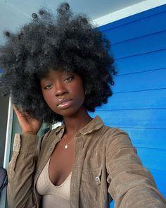 Beautiful Black Girl, Pretty Black Girls, Dope Hairstyles, Black Girls Hairstyles, Curly Hair Styles, Natural Hair Styles, Brown Skin Girls, Hair Flip, Love Your Hair