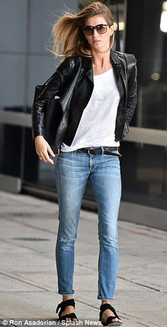 Gisele Bundchen is effortlessly chic at JFK airport #dailymail