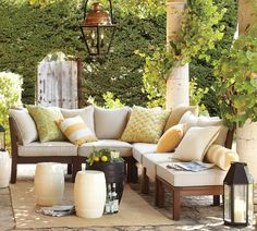 How to Add Warmth and Fight Mosquitos in the Backyard Outdoor Furniture Sets, Outdoor Decor, Vines, Pergola, Home Decor, Homemade Home Decor, Vitis Vinifera, Interior Design, Decoration Home