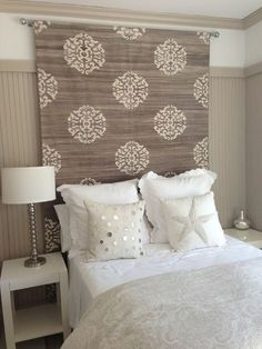 Searching For DIY Headboard Ideas? There are a lot of low-cost methods to produce an unique distinctive headboard. We share a couple of brilliant DIY headboard ideas, to motivate you to style your bedroom chic or rustic, whichever you like. Headboard Designs, Headboards For Beds, Home Bedroom, Bedroom Design, Bedroom Diy, Home Decor, Bedroom Inspirations, Diy Headboard, Creative Headboard