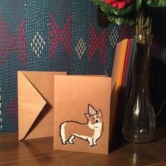 Corgi Greeting Card marrone con triangolo piegare di CasitaPress