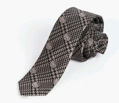This is the first time I've ever wanted to own a tie. Japan LA x Hello Kitty Tie: Houndstooth Hello Kitty Wedding, Sanrio Hello Kitty, Cute Diys, Hey Girl, Designer Collection, Houndstooth, Elsa, Cool Outfits, Menswear