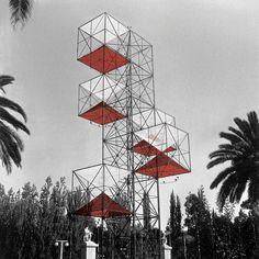 Torre de América (1954)César Jannello y Gerardo Clusellas (Arquitectos), Tomás Maldonado (diseñador gráfico), Mauricio Kagel (Músico) e Iván Baczinsky (Industrial)Mendoza -