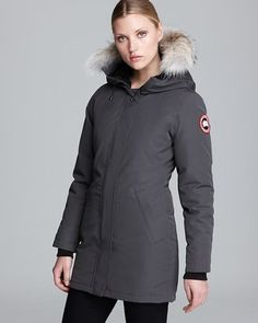 A winter essential, Canada Goose's versatile Victoria pocket lends timeless warmth.