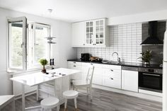 white & gray kitchen (via Fantastic Frank)