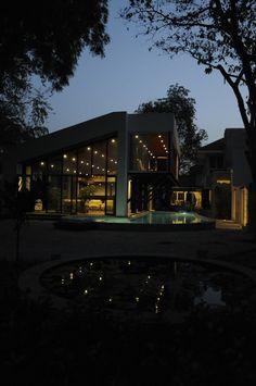 Wunderbar #Interior Design Haus 2018 Design Häuser   Ein Modernes Haus In Bhopal,  Indien #Dekor #Wohnzimmer #Burgund #Ideen #Home #u2026 | Interior Design Haus  2018 ...