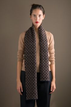 WOLFEN Germany. Jane handwoven scarf made of lambswool.