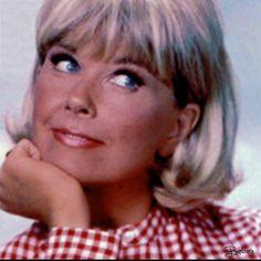 Doris Day is so beautiful