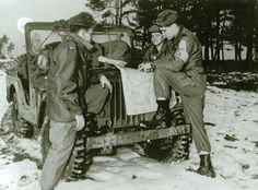 Elvis Presley with his unit (Combat Command C of the 32nd Tank Battalion of the 3rd Division). Elvis came on 3 November to 20 December in 1958 for a good six weeks to the maneuvers on the military training area Grafenwoehr .