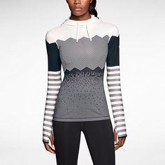 Sweatshirt femme Nike promo Nike, achat Nike Pro Hyperwarm Engineered Print – Sweat à capuche de training prix promo Nike Store 70,00 € TTC.