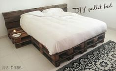 Pallet Bed 160 x 200 cm van 4 nieuwe pallets Pallet bed The post Pallet Bed 160 x 200 cm van 4 nieuwe pallets appeared first on Pallet Diy. Diy Pallet Bed, Wooden Pallet Furniture, Bedroom Furniture, Bedroom Decor, Bed Pallets, Euro Pallets, Furniture Ideas, Decoration Palette, Diy Bett
