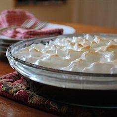 Margaret's Southern Chocolate Pie Chocolate Pie Recipes, Vegetarian Chocolate, Chocolate Gravy, Chocolate Cream, Chocolate Desserts, Craving Chocolate, Chocolate Meringue, Pie Dessert, Deserts