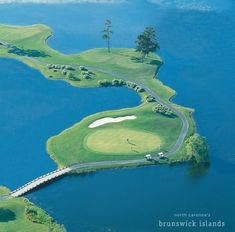 Check out this blog post for Nine Not to Miss Golf Holes in NC's Brunswick Islands! Home to more than 30 championship courses and over 120 miles of fairways, visitors to North Carolina's Brunswick Islands can play a different course each day for a month. #golfcoursephotography