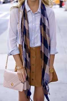 Fall outfit sigh plaid scarf, chambray shirt and suede skirt 28 Lovely Fashion Trends To Update You Wardrobe This Fall – Fall outfit sigh plaid scarf, chambray shirt and suede skirt Source Fall Winter Outfits, Autumn Winter Fashion, Summer Outfits, Fall Skirt Outfits, Early Fall Fashion, Fall Fashion Skirts, Early Fall Outfits, Fall Outfits For Work, Fall Skirts